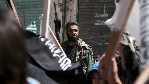 Combattente di Al Nusra in Siria - Sputnik Italia