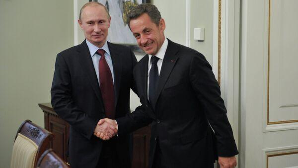 Vladimir Putin  e Nicolas Sarkozy - Sputnik Italia