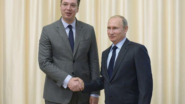 Premier serbo Alexandr Vucic con il presidente russo Vladimir Putin - Sputnik Italia
