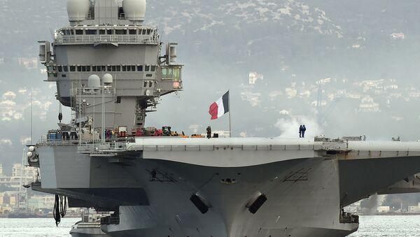 La portaerei francese Charles de Gaulle - Sputnik Italia