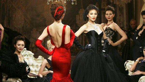 Le modelle presentato la gioielleria di Cartier High Jewellery durante una cena privata a Shanghai. - Sputnik Italia