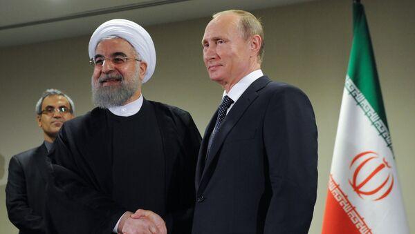 Presidenti di Iran e Russia Hassan Rouhani e Vladimir Putin - Sputnik Italia