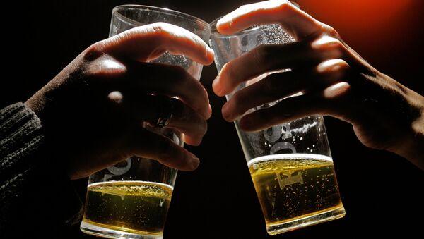 Due pinte di birra - Sputnik Italia