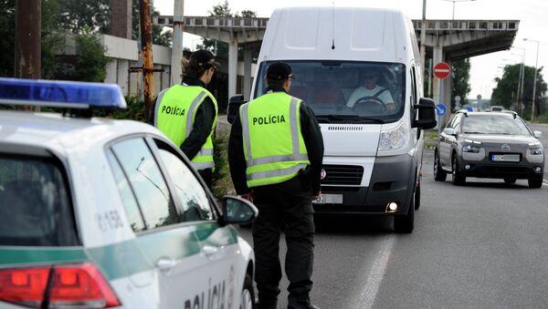 Polizia al confine slovacco - Sputnik Italia