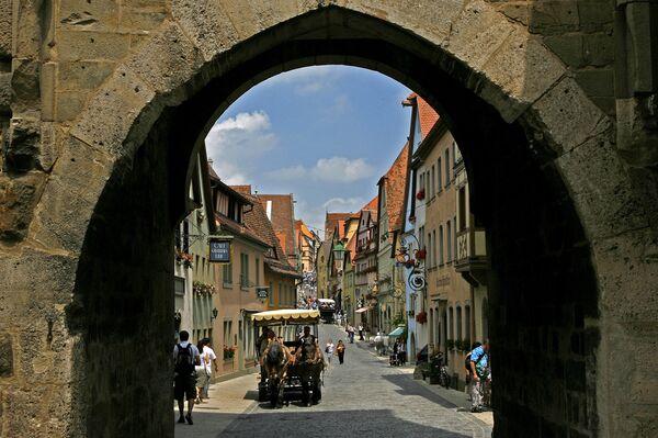 Una veduta sulla città di Rothenburg ob der Tauber in Germania. - Sputnik Italia