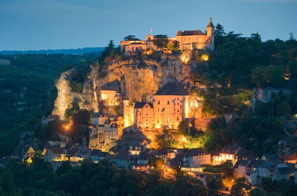 Un villaggio francese medievale di Rocamadour sul baio. - Sputnik Italia
