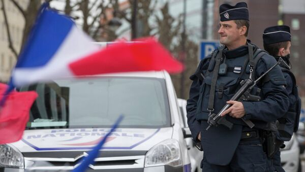 Posto di blocco della polizia francese - Sputnik Italia