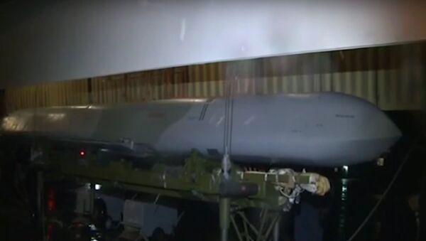 Missili caricati sui Tupolev TU-160 - Sputnik Italia