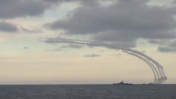 Missili russi dal Mar Caspio sulla Siria - Sputnik Italia