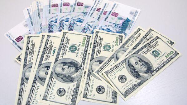 Dollaro USD e Rublo russo - Sputnik Italia