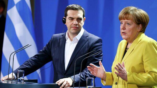 La Merkel e il leader greco. - Sputnik Italia