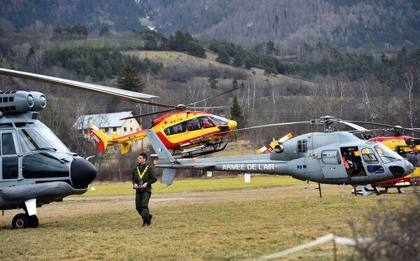 Elicotteri dell'aeronautica francese a Seyne, nel sud-est della Francia. - Sputnik Italia