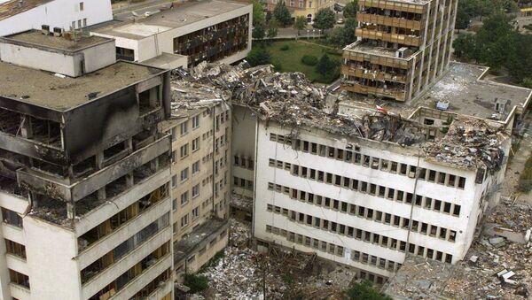 Rovine di Pristina dopo i bombardamenti NATO nel 1999 - Sputnik Italia