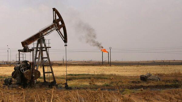 Giacimento petrolifero Rmeilane in Siria - Sputnik Italia