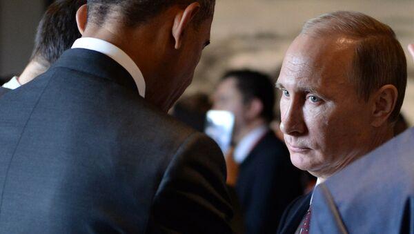 Vladimir Putin e Barack Obama durante la sessione di Asia-Pacific Economic Cooperation (APEC) Summit   a Pechino - Sputnik Italia