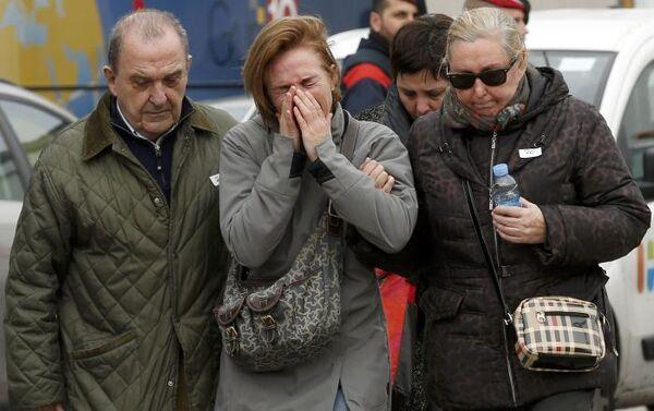 Le famiglie di passeggeri di Airbus A320 - Sputnik Italia