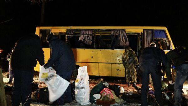Bus-Beschuss in Donbass - Sputnik Italia