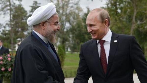 Vladimir Putin e il presidente iraniano Hassan Rouhani - Sputnik Italia