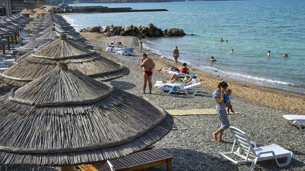 Turisti al mare - Sputnik Italia