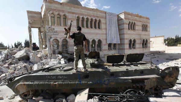 Combattente dell'Esercito Libero Siriano (opposizione moderata anti Assad in Siria) - Sputnik Italia