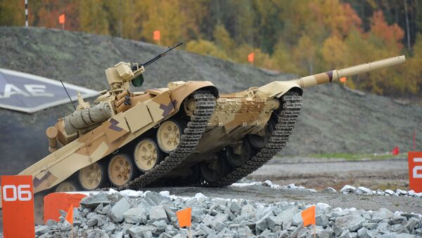 A T-90S tank, the export version of T-90, at the Ninth International Exhibition of Arms, Military Equipment and Ammunition Russia Arms Expo 2013 in Nizhny Tagil - Sputnik Italia