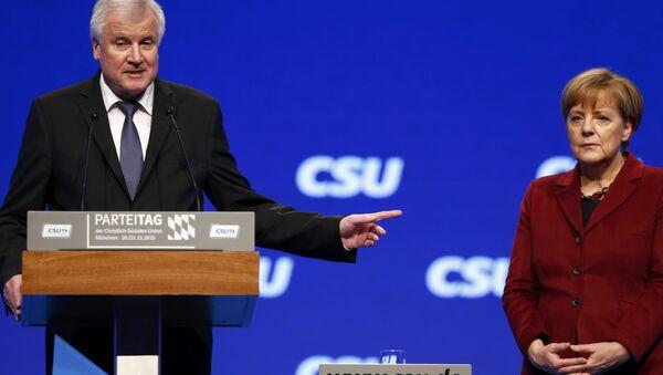 Horst Seehofer e Angela Merkel - Sputnik Italia