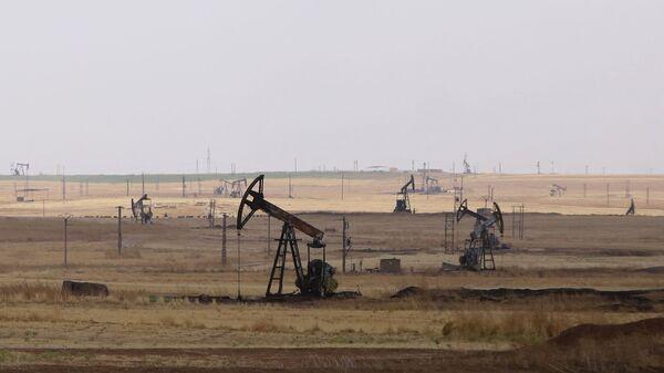 Il sito petrolifero di Rmeilane, nella Siria nordorientale  - Sputnik Italia