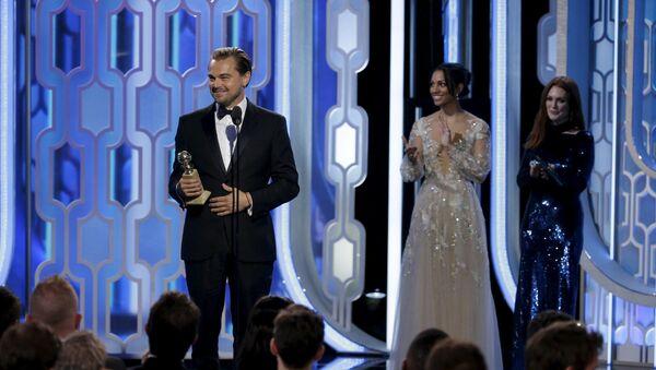 Leonardo di Caprio con il suo primo Oscar - Sputnik Italia