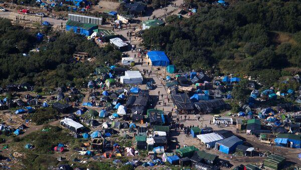 Campo profughi di Calais - Sputnik Italia