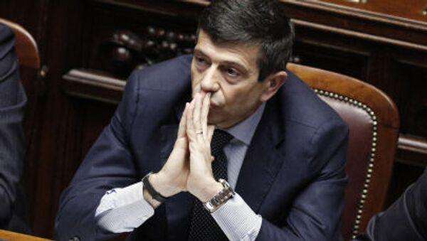 Министр инфраструктуры Маурицио Лупи заседает в нижней палате, перед тем как объявить о своей отставке - Sputnik Italia