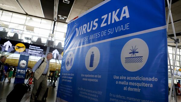 A banner is seen during an information campaign on Zika virus by the Chilean Health Ministry at the departures area of Santiago's international airport, Chile, January 28, 2016 - Sputnik Italia