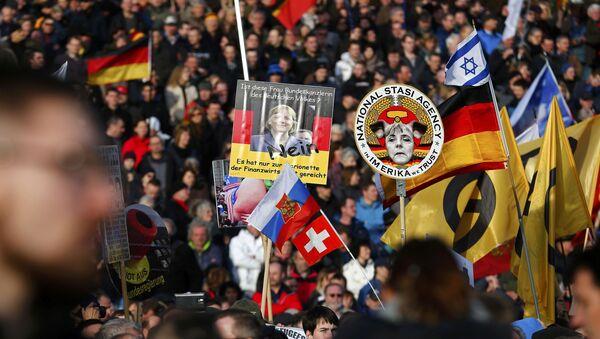 Manifestazione di Pegida a Dresda - Sputnik Italia