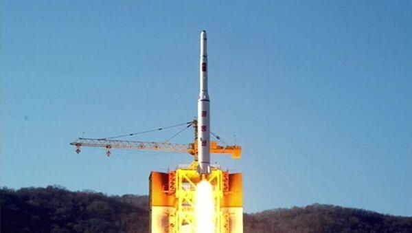 North Korea's rocket launch of earth observation satellite Kwangmyong 4 - Sputnik Italia