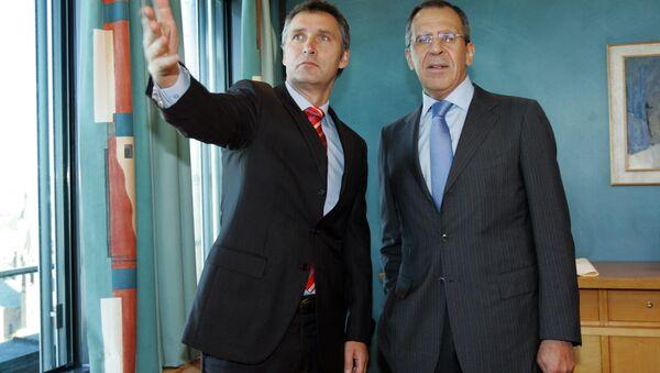 Sergei Lavrov e Jens Stoltenberg - Sputnik Italia