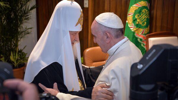 Patriarca Kirill Papa Francesco - Sputnik Italia