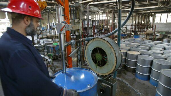 Una raffineria di petrolio - Sputnik Italia