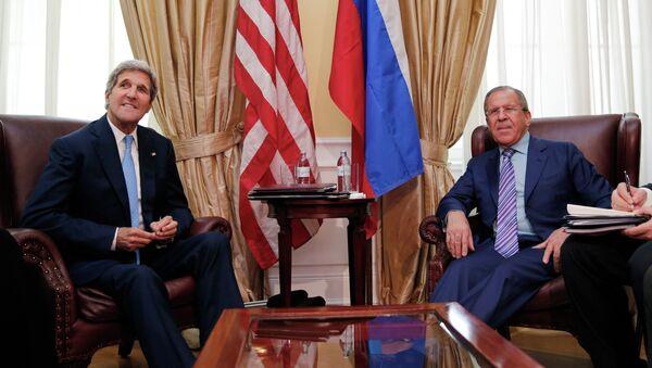 John Kerry e Sergey Lavrov - Sputnik Italia