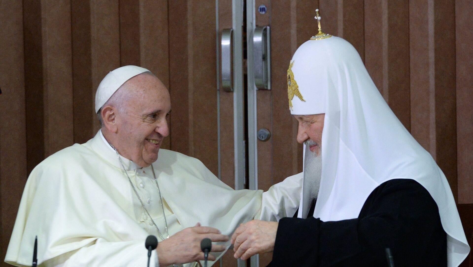Il papa Francesco e il patriarca Kirill all'Avana - Sputnik Italia, 1920, 04.04.2021