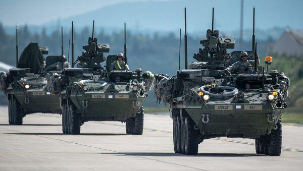 Veicoli corazzati Stryker - Sputnik Italia