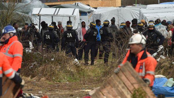 Lo sgombero della Giungla di Calais - Sputnik Italia