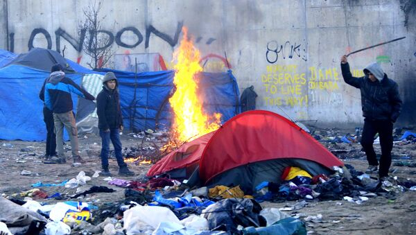 Sgombero della Giungla di Calais - Sputnik Italia