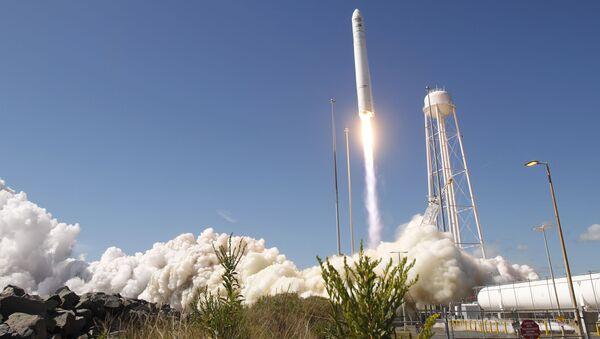 Lancio del razzo vettore americano Antares - Sputnik Italia