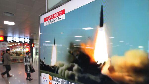 Reportage da tv sudcoreana su lancio missili della Corea del Nord - Sputnik Italia