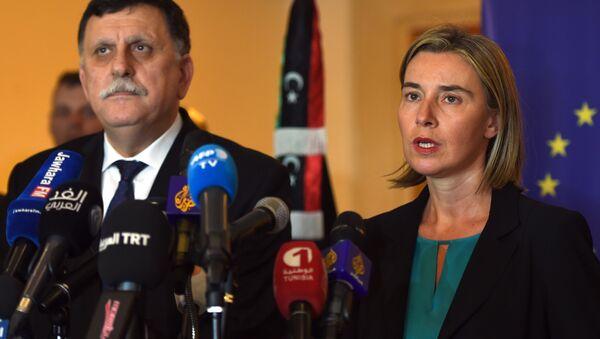 Fayez al-Sarraj e Federica Mogherini - Sputnik Italia
