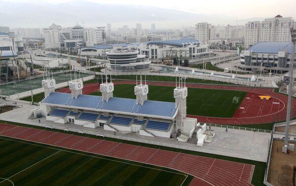 Il complesso olimpico di Ashgabat, già ultimato a due anni dai Giochi Asiatici Indoor del 2017 - Sputnik Italia