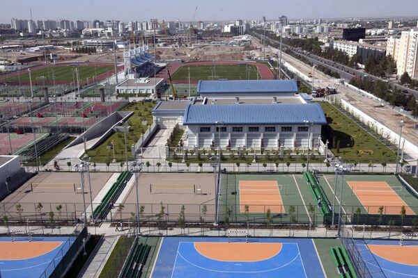 Veduta aerea del complesso del Parco Olimpico di Ashgabat - Sputnik Italia