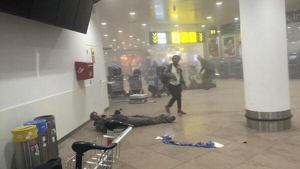 Uomo ferito all'aeroporto di Bruxelles attaccato dai terroristi - Sputnik Italia