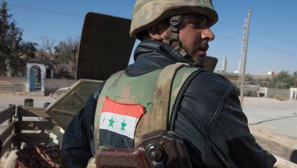Soldato dell'esercito siriano - Sputnik Italia