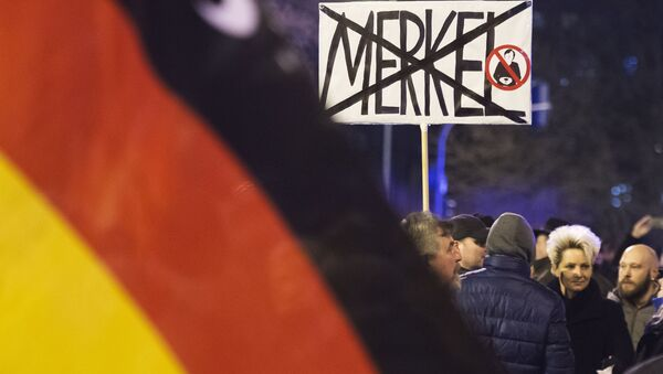 Manifestazione contro i migranti in Germania - Sputnik Italia