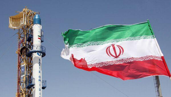 Il ministro degli Esteri iraniano, Mohammad Zarif, giovedì volerà a Islamabad per incontrare il primo ministro pachistano Nawaz Sharif. - Sputnik Italia